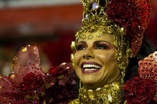 Viviane Araújo, em desfile da Salgueiro, na Marquês de Sapucaí, segunda-feira (24)