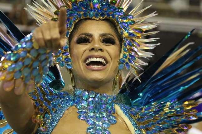 Lexa, como rainha de bateria, em desfile da Unidos da Tijuca, na Marquês de Sapucaí, segunda-feira (24)