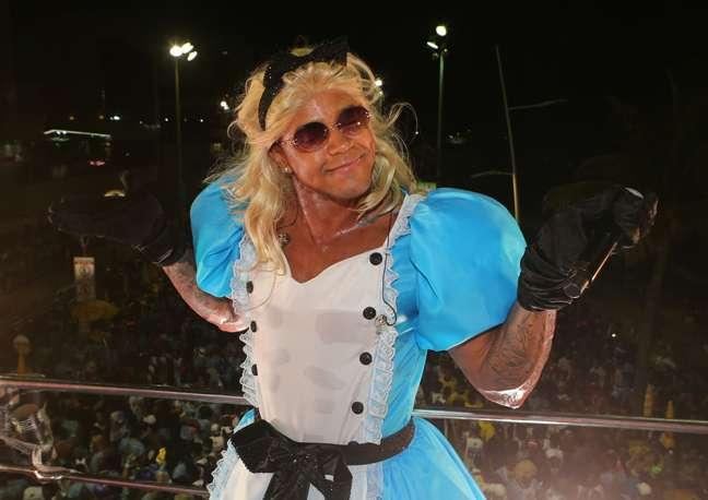 Leo Santana apareceu vestido de Alice No País das Maravilhas