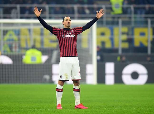 Ibrahimovic atualmente defende as cores do Milan, da Itália