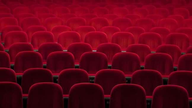 Três redes de cinema com atuação nacional suspenderam suas atividades por conta do novo coronavírus