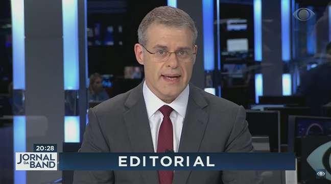 O âncora Eduardo Oinegue deu voz à insatisfação da família Saad em relação ao governo de Jair Bolsonaro