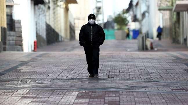Ruas da capital, Quito, estão quase vazias em meio à pandemia