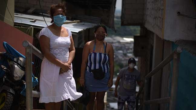 Bertha e sua família vivem em um morro ao norte de Guayaquil