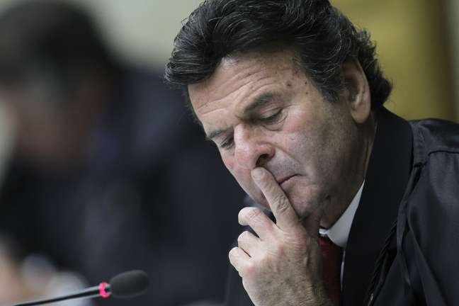 Ministro Luiz Fux durante sessão do STF  04/10/2012 REUTERS/Ueslei Marcelino