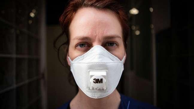 Na Espanha, os profissionais de saúde representam cerca de 14% dos infectados