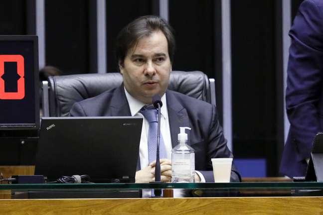 Rodrigo Maia: 'No Brasil, temos de lutar contra o corona e o vírus do autoritarismo'