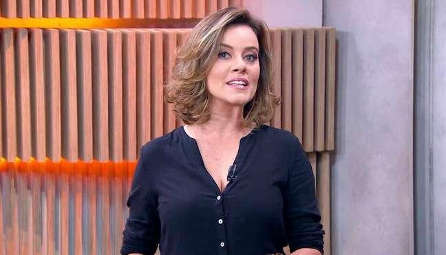 Natuza Nery, comentarista da GloboNews, condenou a violência contra enfermeiros e repórteres