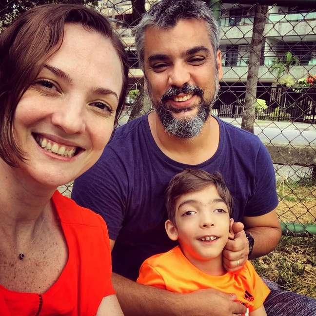Márcia Magalhães, o marido Fabio e o filho do casal, Arthur.