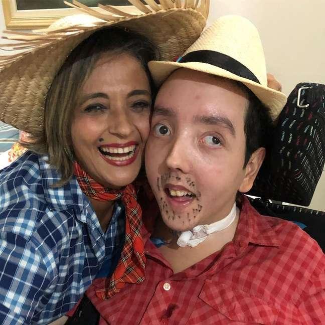 Tereza e Caio em festa junina realizada em 2019