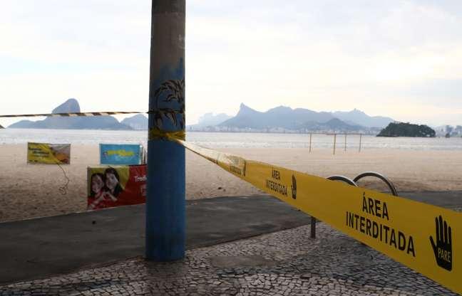 Niterói, que já interditou a Praia de Icaraí, amplia medidas restritivas a fim de conter expansão da covid-19 19/03/2020 REUTERS/Pilar Olivares