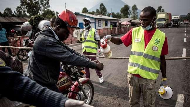 A epidemia de ebola ensinou alguns países africanos a conter surtos
