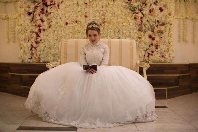 Shira Haas em 'Nada Ortodoxa' (2020)