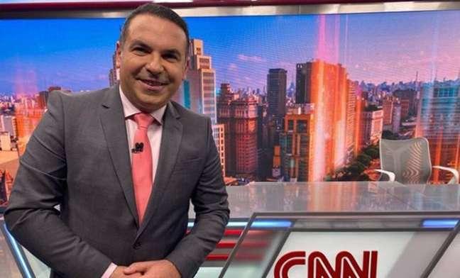 Reinaldo Gottino em estúdio da CNN Brasil
