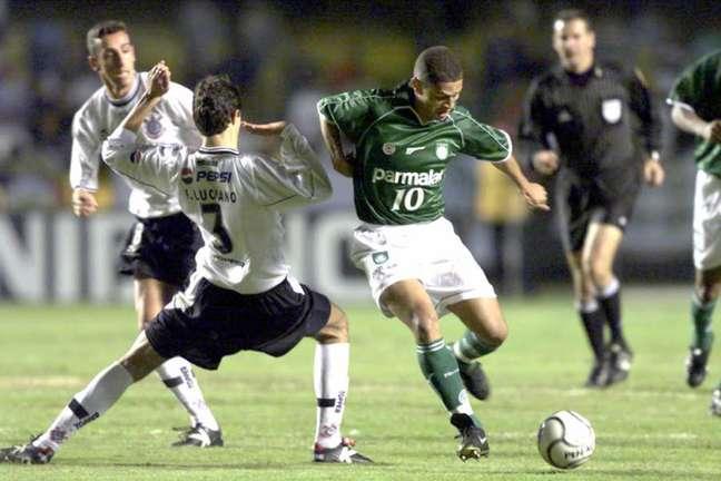 Palmeiras eliminou o Corinthians na semifinal da Libertadores de 2000 (Foto: Divulgação)