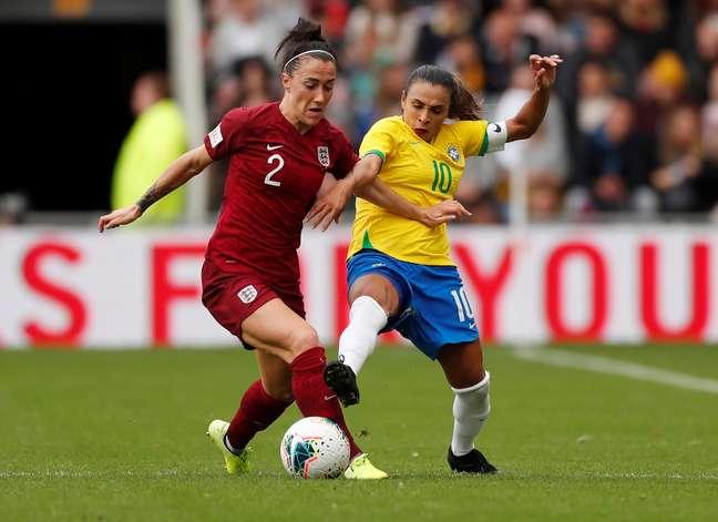 Cena de partida entre as seleções de futebol femininas de Brasil e Inglaterra. 5/10/2019  BAction Images via Reuters/Lee Smith