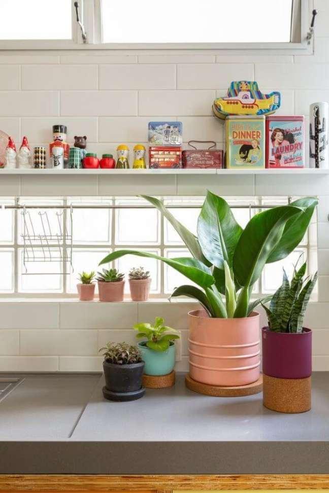 1. Aprenda como cuidar de pacová para decorar sua casa, como a cozinha – Via: Selvvva