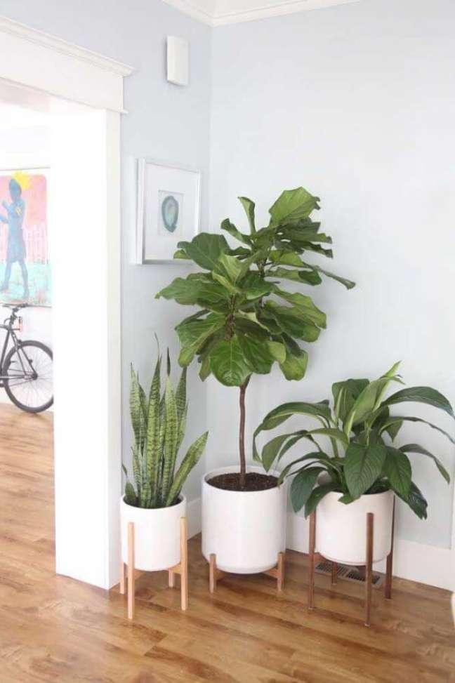 30. Vasos de plantas na entrada de casa – Via: Pinterest