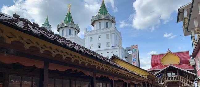 Hotel Skazka de Moscou. Sem hóspedes, local passou a abrigar vítimas de violência doméstica