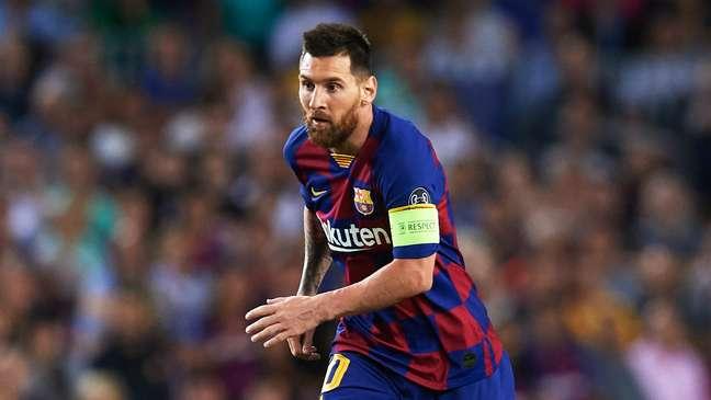 Messi marca, Barcelona vence lanterna e dispara na liderança