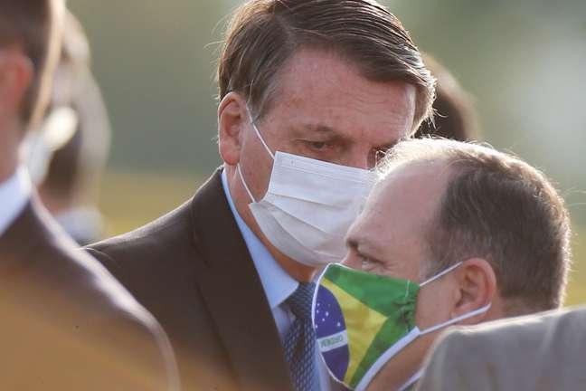 Presidente Jair Bolsonaro e ministro interino da Saúde, Eduardo Pazuello 09/06/2020 REUTERS/Adriano Machado