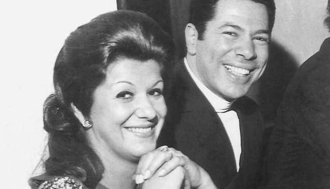 Silvio Santos com Maria Aparecida: apresentador ficou viúvo quando tinha 46 anos; ele completará 90 em 12 de dezembro