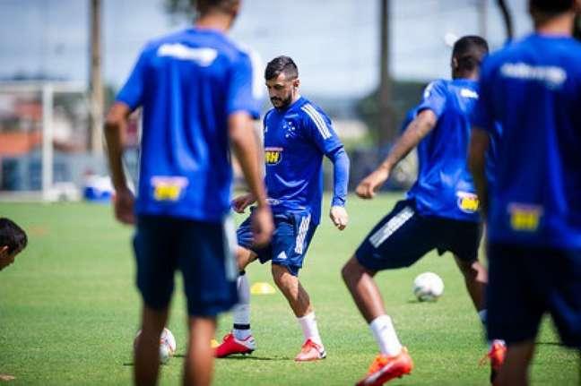Robinho foi dispensado pela Raposa no dia 5 de junho juntamente com o lateral-direito Edílson-(Bruno Haddad/Cruzeiro)