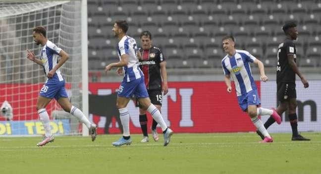 Matheus Cunha teve ótima atuação e marcou o primeiro gol da vitória do Hertha sobre o Leverkusen por 2 a 0 (Michael Sohn / POOL / AFP)