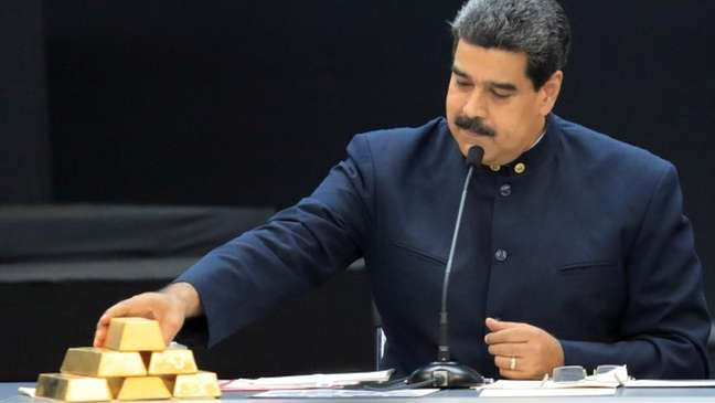 O governo de Nicolás Maduro deu prioridade ao ouro com a queda do petróleo