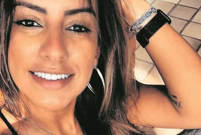 A jovem teria criticado o pai em mensagens apreendidas pela promotoria