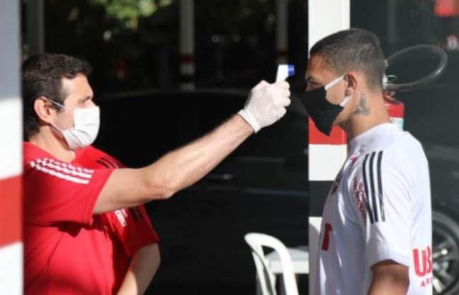 Antony será jogador do São Paulo só até o fim do mês, mas se reapresentou - FOTO: Rubens Chiri/saopaulofc.net