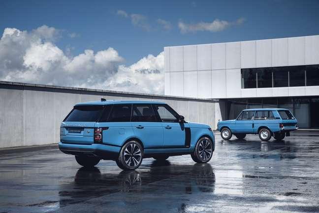 A coluna D da série Fifty remete à coluna C do Range Rover original de duas portas.