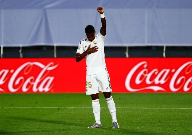 Vinícius Jr. marcou o primeiro gol do Real Madrid na partida
