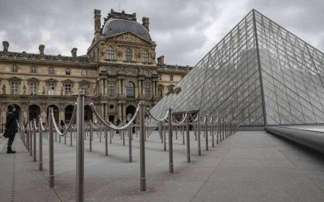 Museu do Louvre diz ter perdido 80% dos seus visitantes