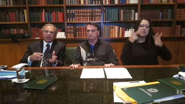 Anúncio foi feito ao lado do ministro da Economia, Paulo Guedes.