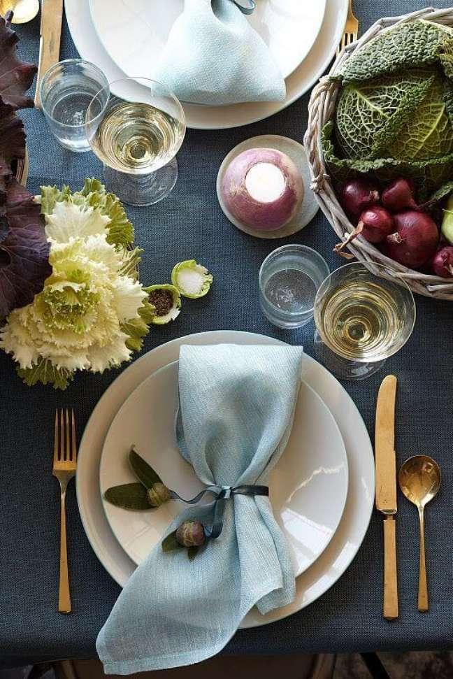 32. Como dobrar guardanapo de modo simples para mesa bonita – Via: Pinterest