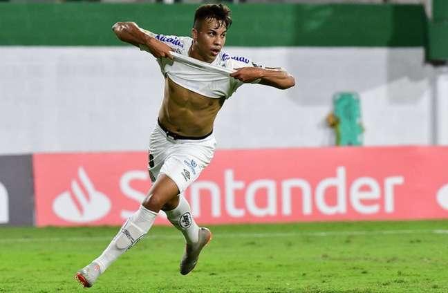 Kaio Jorge marcou o gol da vitória do Santos contra o Defensa y Justicia (ARG), pela Libertadores (Foto: Staff Images)