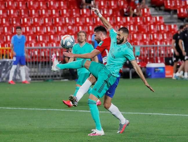 Real Madrid vence Granada e pode ser campeão espanhol na próxima rodada