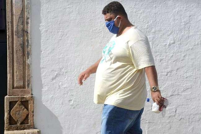 Estudo tenta explicar por que obesos correm mais riscos de desenvolver forma grave da covid-19