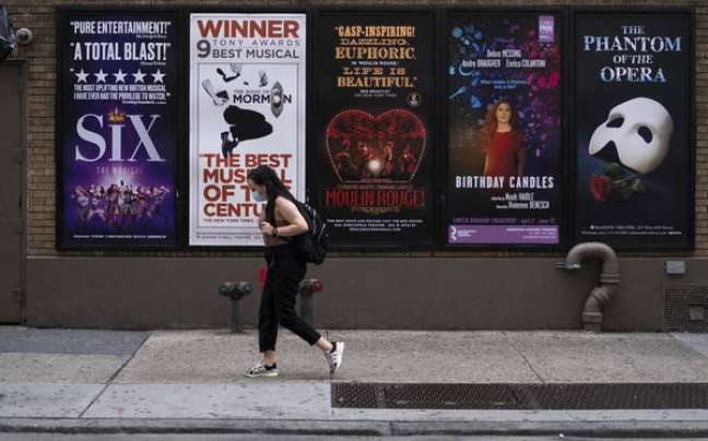 Cidade de Nova York registrou as primeiras 24h sem mortes por Covid
