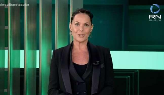 Carolina Ferraz apresenta o 'Domingo Espetacular' na Record TV