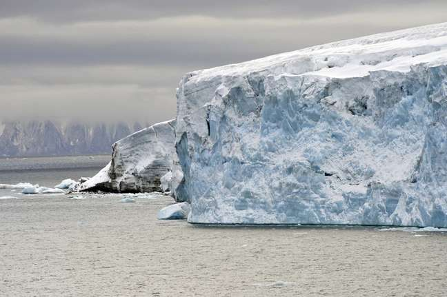 No Ártico, camadas de diferentes salinidades são misturadas na água