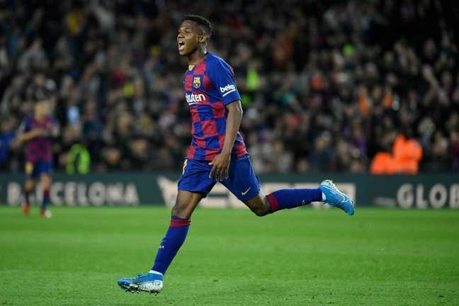 Ansu Fati começou bem sua jornada no Barcelona (Foto: LLUIS GENE / AFP)