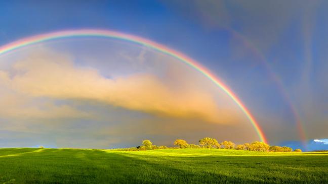 Arco-íris, arco-íris duplos e céus azuis - tudo está ligado à Dispersão de Rayleigh