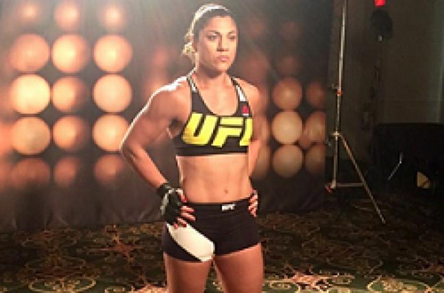 Desde 2013 no UFC, Bethe Correia foi dispensada pela organização (Foto: Reprodução/Instagram/@bethecorreia)