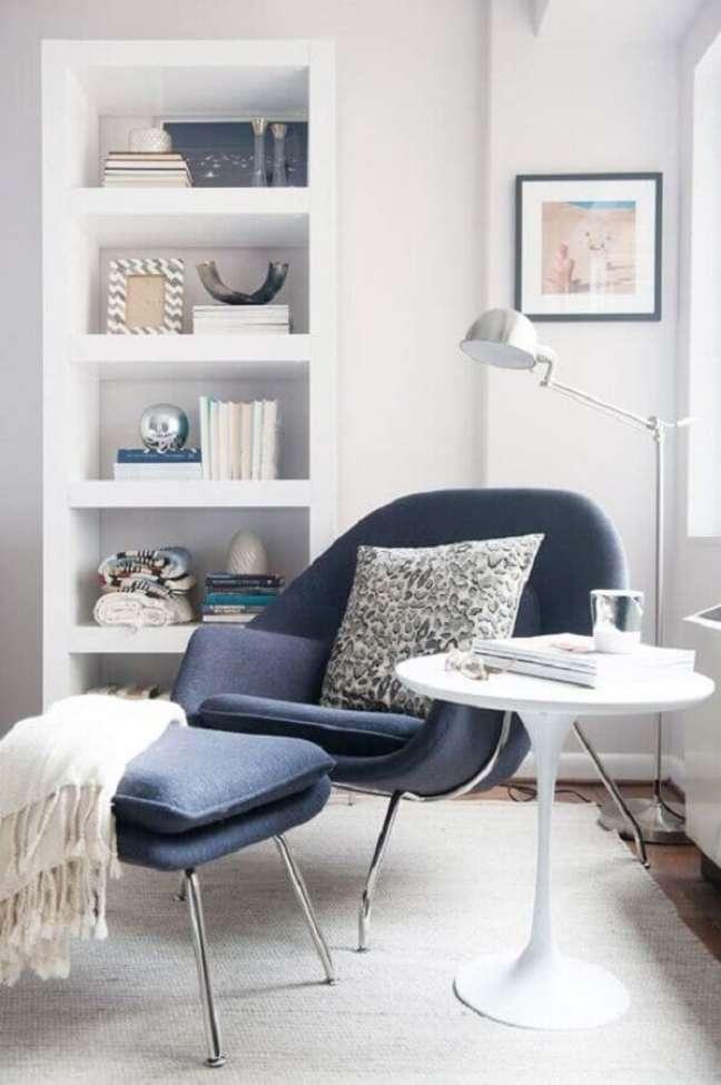 1. Além de conforto as poltronas decorativas podem colocar um charme super especial na sua decoração – Foto: Jeito de Casa