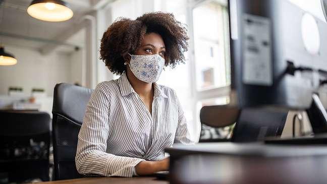 A atenção à circulação do ar se torna ainda mais importante conforme voltam as atividades em escritórios e escolas
