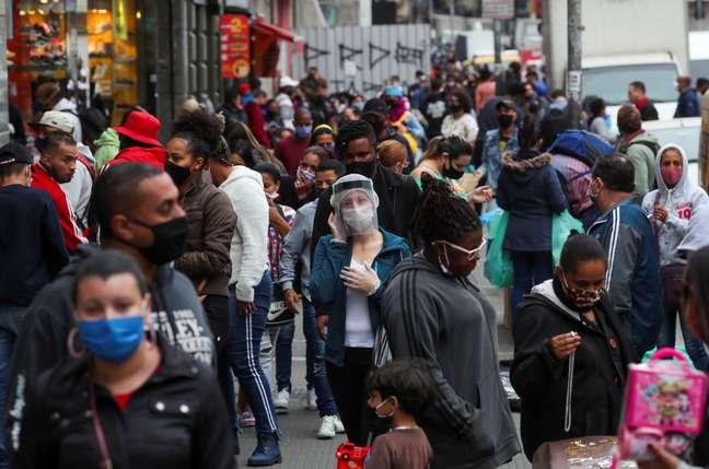 Rua de comércio popular em São Paulo 15/07/2020 REUTERS/Amanda Perobelli