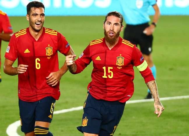 Sergio Ramos brilhou em vitoria da Espanha
