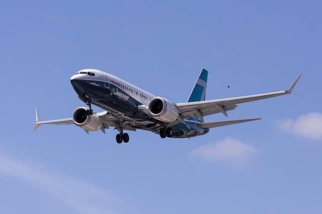 Avião se preparando para pousar. 29/6/2020. REUTERS/Karen Ducey
